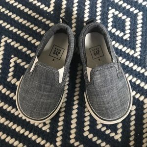 Gap Toddler size 5 chambray slip on sneakers